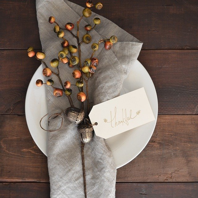 Thanksgiving table setting, a thankful heart